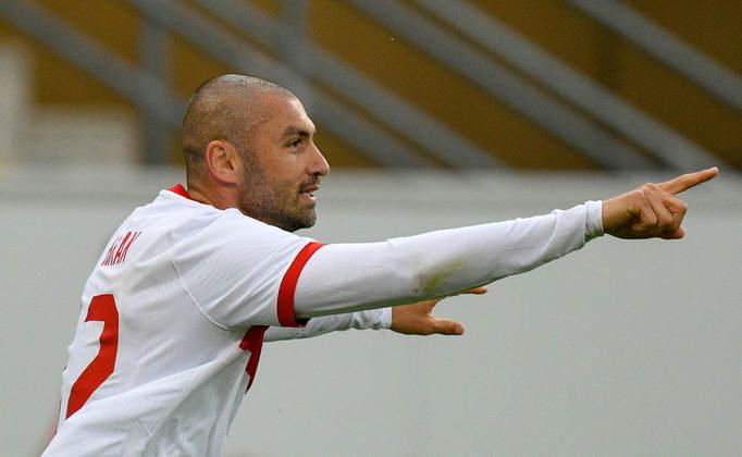 Turquia: Burak Yilmaz (Lille). Temporada 2020/21: 41 jogos e 23 gols