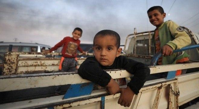 Famílias curdas abandonaram vilas após ataque da Turquia no norte da Síria