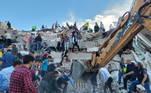 As informações sobre o terremoto divergem entre os serviços americanos e turcos. Na Turquia, agências que monitoram terremotos afirmam que os tremores foram de magnitude 6,6 na escala Richter
