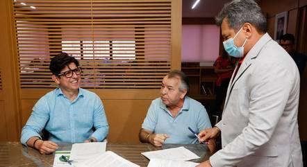Da esquerda para direita: O Superintendente de Rede da Record TV André Dias e os executivos da TV Vila Real/MT,  o Presidente João Dorileo e o Vice-Presidente Carlos Dorileo.