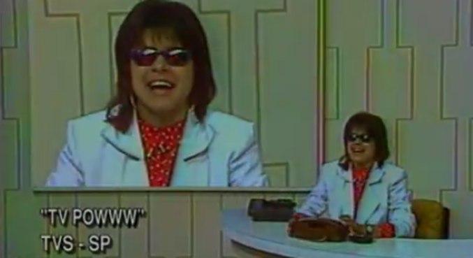 Mara apresentando o TV Powww, clássico do SBT