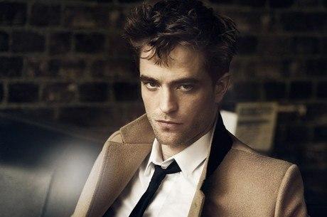 Robert Pattinson critica padrão estético e fala de quarentena