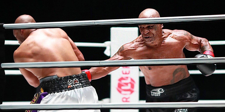 Mike Tyson foi muito superior a Jones. O empate foi uma homenagem ao rival