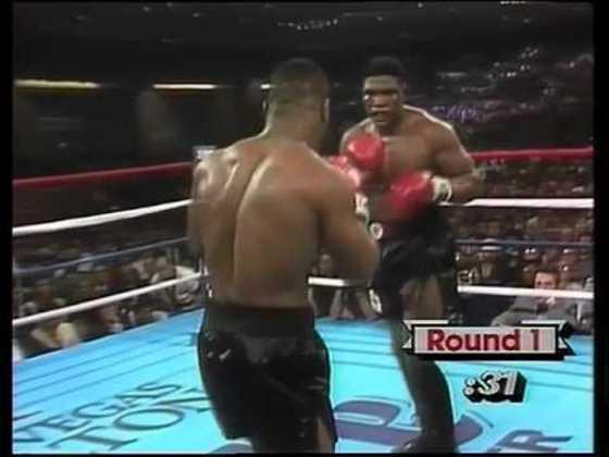 Tyson precisou de dois rounds para massacrar Trevor Berbick no dia 22 de novembro de 1986 e se tornar o mais jovem campeão dos pesados, aos 20 anos