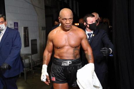 Tyson perdeu mais de 40kg para voltar e lutará de novo
