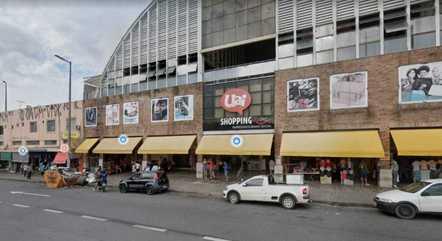 Loja fica localizada em shopping popular