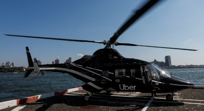 Serviço de transporte por helicóptero é oferecido pela Uber a partir deste mês