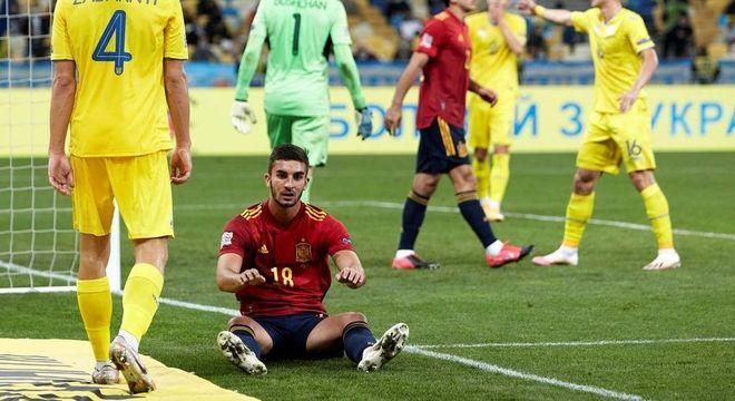 Enfim, um tombo da Espanha, diante da Ucrânia