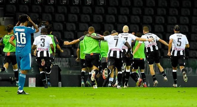 A festa da Udinese sobre a líder Juventus