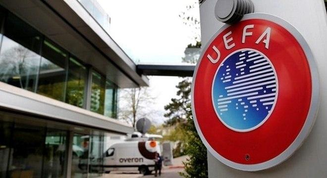 A entrada da sede da UEFA, em Nyon, na Suíça