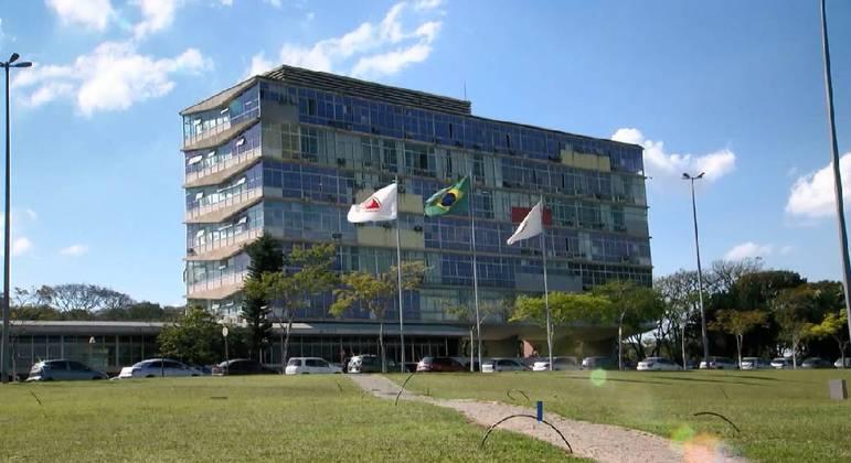 UFMG já realiza atividades práticas e laboratoriais de forma presencial
