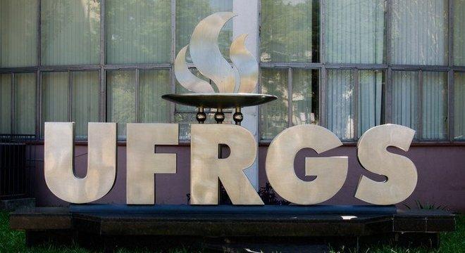 Professores, servidores e bolsistas da UFRGS foram indiciados por estelionato