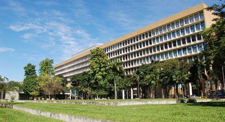 UFRJ deve parar as atividades no próximo semestre devido a falta de recursos