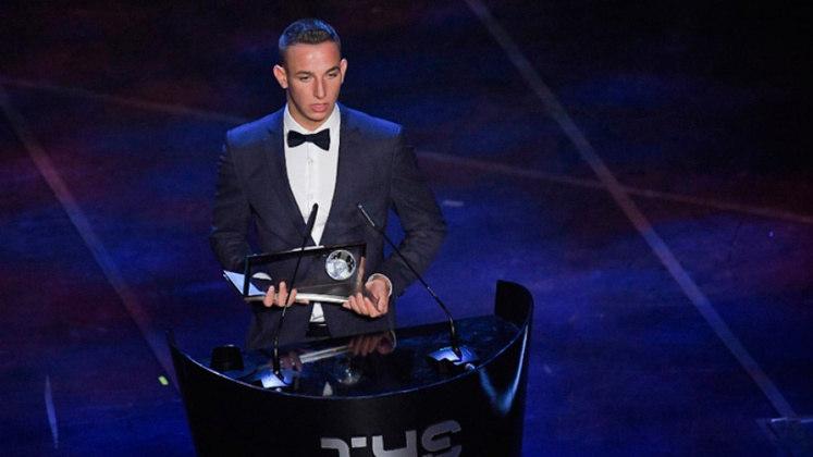 Último vencedor do prêmio, o atacante Daniel Zsori é o primeiro húngaro a ganhar o prêmio que leva o nome do maior ídolo do futebol do país.
