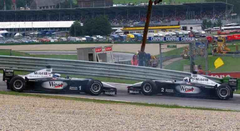 Um ano antes, David Coulthard estragou a corrida da McLaren ao rodar o parceiro Mika Häkkinen, que caiu para último e ainda terminou em terceiro