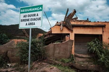 Distrito de Bento Rodrigues, em Mariana, foi varrido pela lama da mineração
