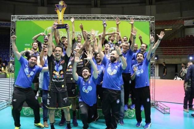 Um dia após anunciar o cancelamento da Superliga masculina 2019/2020, a Confederação Brasileira de Voleibol (CBV) confirmou não haver campeão para a temporada.