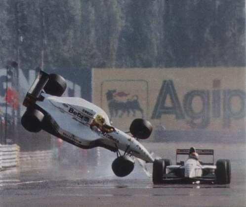 Um dos acidentes mais marcantes da Fórmula 1 foi o looping de Christian Fittipaldi ao tocar em Pierluigi Martini na Itália em 1993. A relação de ambos na Minardi deteriorou de vez