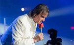 Um dos artistas mais populares do Brasil, ROBERTO CARLOS celebra nesta segunda-feira os seus 80 anos. Intérprete de canções que embalam gerações, como