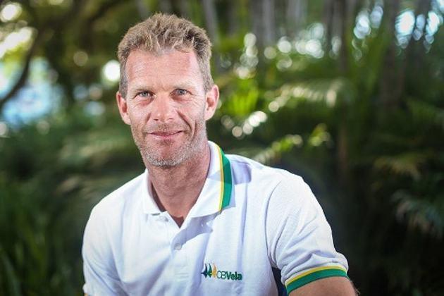 Um dos brasileiros com cinco medalhas olímpicas, o velejador Robert Scheidt participou de seis edições do evento esportivo. Ele estreou em 1996, quando foi ouro em Atlanta, e competiu no Rio.