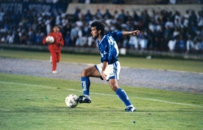 Um dos destaques do Cruzeiro no título de 1976, Palhinha tem 25 gols em 30 jogos.