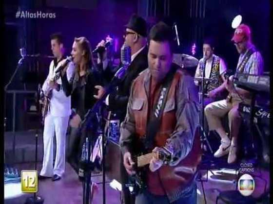 Um dos grandes momentos da banda foi quando o grupo tocou no 'Altas Horas', programa de Serginho Groismann na TV Globo. Na época, Rodrigo não estava na emissora, mas fez sucesso em sua participação no programa de sábado a noite.