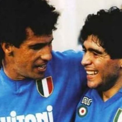 Um dos maiores companheiros de Maradona em campo, o ex-jogador brasileiro Careca, prestou uma homenagem ao craque em sua rede social. Ambos fizeram uma dupla, que brilhou com a camisa do Napoli: