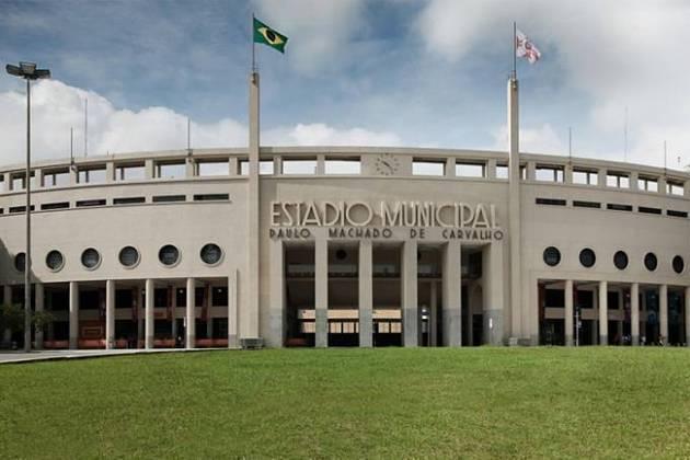 Um dos principais palcos da Copa do Mundo de 1950, o Pacaembu é outro aparelho esportivo mobilizado na guerra contra a Covid-19. O estádio se transformou em um hospital com 200 leitos, inaugurado na semana passada.