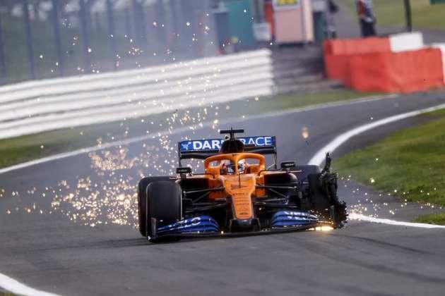 Um estouro de pneu nas voltas finais fez Carlos Sainz terminar em 13º