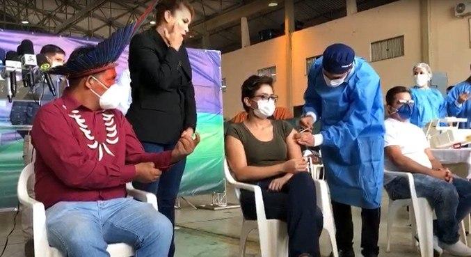 Um indígena, uma médica e um enfermeiro abriram a campanha em Rondônia