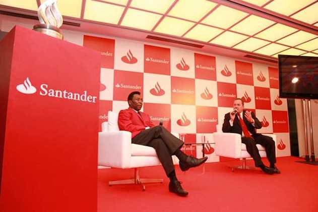 Uma ação recente de Pelé envolvendo a F1 aconteceu em 2012. Na ocasião, participou de um encontro virtual com Felipe Massa, promovido pela Santander