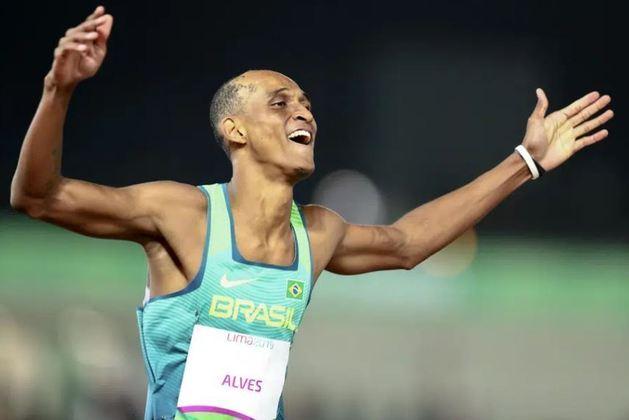 Uma das esperanças dos Estados Unidos por medalha no atletismo, o americano Rai Benjamin rasgou elogios ao brasileiro Alison dos Santos. Segundo Benjamin, o atleta do Brasil é um uma ameaça e candidato ao pódio.
