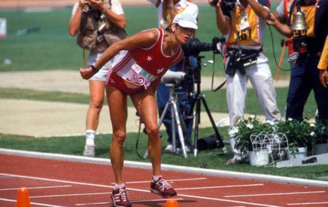 Uma das imagens mais célebres de superação é o da maratonista suíça Gabriela Andersen. Em 1984, ela completou os 400 metros finais cambaleando, em esforço incrível para terminar a prova