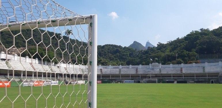 Uma das promessas de campanha da atual gestão é um projeto de revitalização da sede social e do Estádio Manoel Schwartz (Laranjeiras), além de um estudo de viabilidade de um estádio próprio. Atualmente o Fluminense é gestor do Maracanã ao lado do Flamengo.