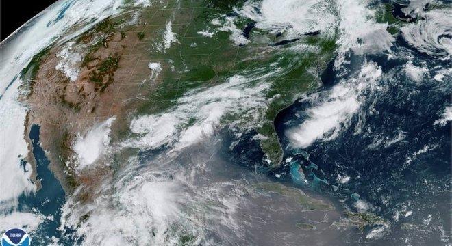 A nuvem afetou países do Caribe a caminho do sul dos Estados Unidos