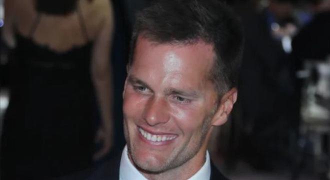 Uma máquina de títulos, um gênio do futebol americano. Tom Brady é recordista em Super Bowls, tendo chegado em dez na história. O mais recente nesta temporada, que acontece no dia 7 de fevereiro.