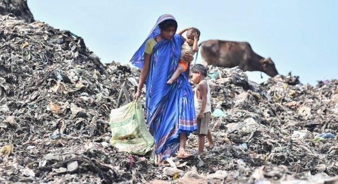 A Índia tirou mais de um 250 milhões de pessoas da pobreza entre 1990 e 2015, segundo o Banco Mundial