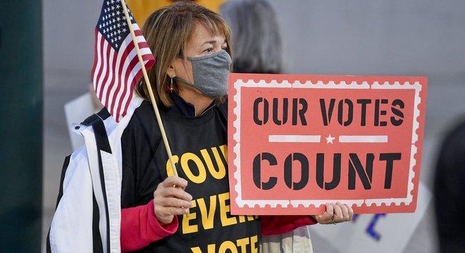 Com a pandemia, um maior número de votos foi enviado pelo correio do que em anos anteriores