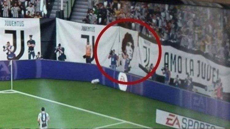 Uma outra polêmica envolvendo a produtora EA Sports e um craque argentino aconteceu no FIFA 18. No jogo, Maradona aparecia em uma bandeira da Juventus, na torcida virtual. O ex-jogador se revoltou, já que ele é ídolo no Napoli, eterno rival da Juve e nunca vestiu a camisa preta e branca da Velha Senhora.