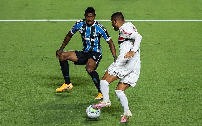 Uma semana depois, o São Paulo empatou com o Grêmio por 0 a 0. Aliás, será contra os gaúchos a semifinal da Copa do Brasil nos dias 23 e 30 de dezembro