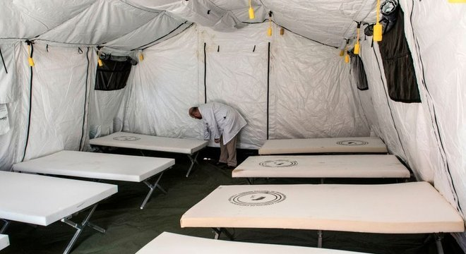 As autoridades criaram um hospital de campanha, mas o país tem poucos internados