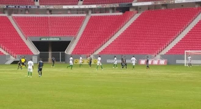 Mané Garrincha vazio. Unaí e Capital pelo Campeonato Brasiliense