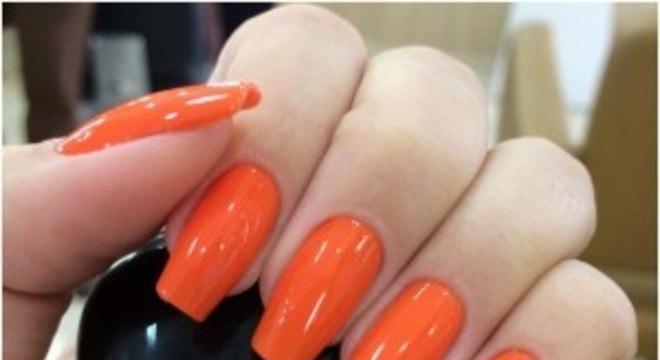 Unhas laranjas