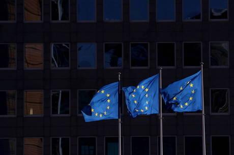 UE diz que coronavírus não pode prejudicar democracia