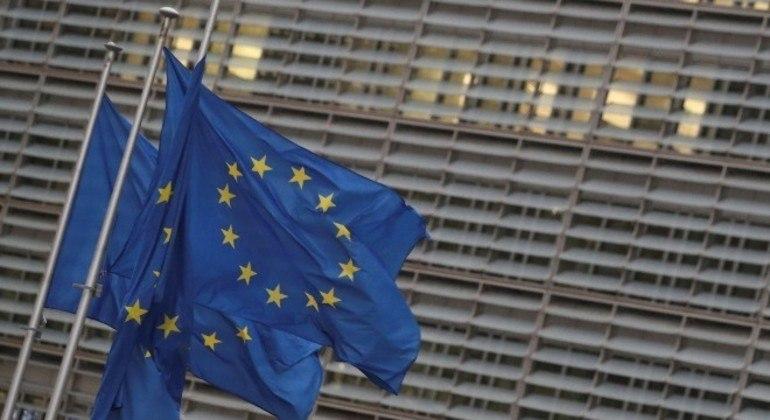 Cúpula da União Européia deve se reunir nesta semana remotamente