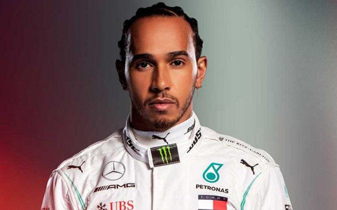 Único piloto negro da Fórmula 1, Lewis Hamilton criticou a desmobilização em torno da luta contra o racismo da maior categoria de automobilismo no mundo, afirmando que a F1 não leva a luta contra o racismo à sério. Ele é bastante ativo sobre o assunto em suas redes sociais.