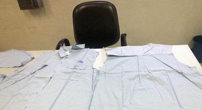 Voluntários transformam uniformes da CPTM em máscaras de proteção