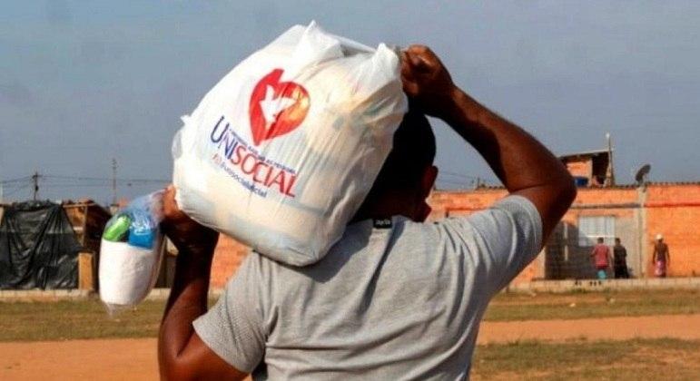 Ação conta com 27,7 mil voluntários como enfermeiros, cabeleireiros e manicures