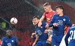 Manchester United e Chelsea se enfrentaram, buscando subir na tabela, já que também ocupam posições intermediárias. O United vinha embalado pela vitória na Champions, fora de casa, sobre o Paris-Saint Germain, nesta semana, na primeira rodada da competição europeia