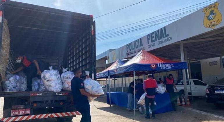 O programa começou distribuição de kits de higiene para 609 presídios do país Cedidas